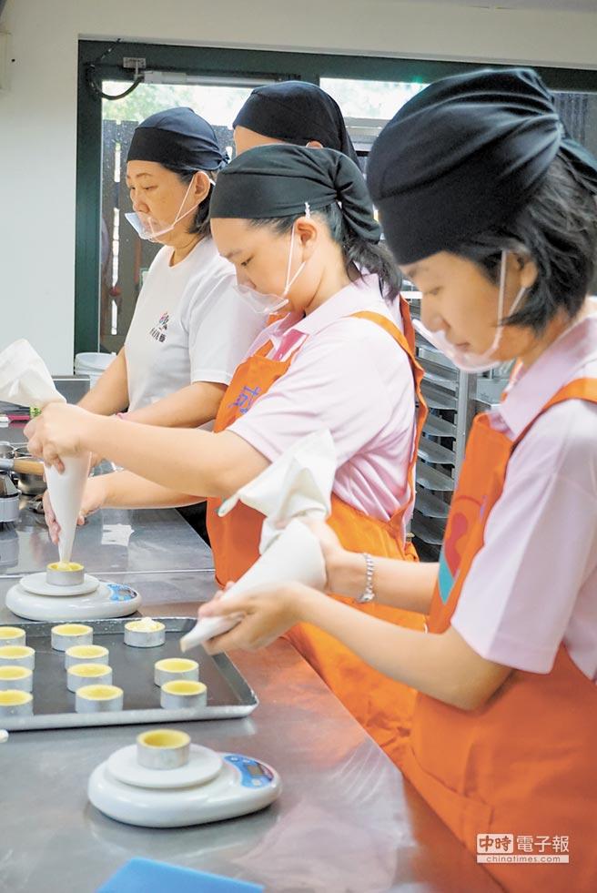 【中國時報】庇護工場 手工月餅送幸福 代表圖